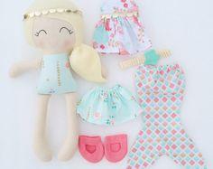Viste a la muñeca - tela - muñeca hecha a mano - muñeca de trapo modernas - chicas habitación decoración - juguetes niñas - paño doll