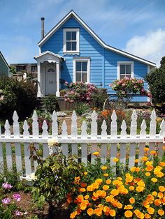 The picket fence comes with a cottage!!