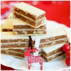 Grilážky Czech Desserts, Sweet Desserts, Just Desserts, Sweet Recipes, Slovak Recipes, Czech Recipes, Condensed Milk Cake, Baklava Recipe, Desserts With Biscuits