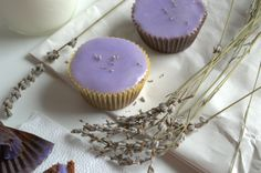 Lavander brauni cupcakes