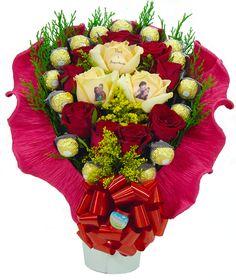 Buquê de Rosas Vermelhas Personalizadas e Bombons Ferrero Rocher... Para encher o coração de alegria.