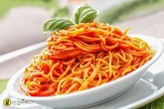Špagety s rýchlou omáčkou zo sušených paradajok Greek Dishes, Pesto, Catering, Spaghetti, Menu, Restaurant, Ethnic Recipes, Food, Brisbane