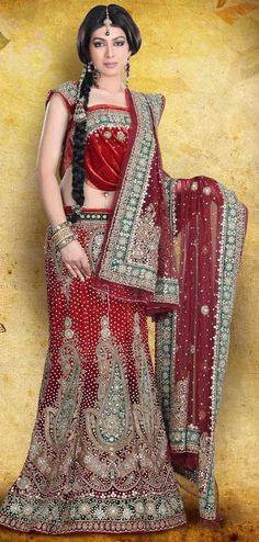 bridal wear #Lehanga #Weddingplz #Wedding #Bride #Groom #love # Fashion #IndianWedding  #Beautiful #Style
