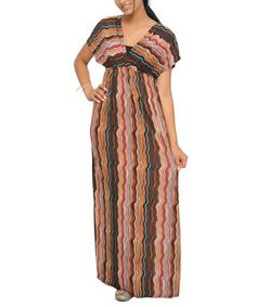 Skirting the floor with style, this breezy maxi dress features an elegant empire waist, while an abstract print provides extra pop.
