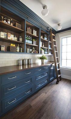 Kitchen Pantry Design, Home Decor Kitchen, Country Kitchen, Kitchen Interior, Kitchen With Pantry, Kitchen With Blue Cabinets, Blue Kitchen Ideas, Kitchens Without Upper Cabinets, Kitchen Cabinets Color Combination