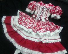 vestido-de-festa-junina-flores-danca Pretty Little Dress, Little Dresses, Cute Dresses, Girls Dresses, Baby Party, Little Princess, Boho Shorts, Doll Clothes, Ideias Fashion