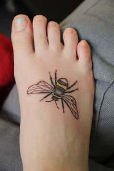 I just got this at the Philadelphia Tattoo convention. I've always wanted an insect tattoo and bees are one of my favorites.