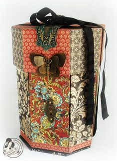 Here is the outside of Alberto's exploding Panorama Box using Olde Curiosity Shoppe! Stunning! #graphic45