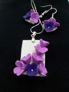 Set cercei si pandantiv violet liliac si violet pruna Drop Earrings, Flowers, Handmade, Jewelry, Fimo, Hand Made, Jewlery, Bijoux, Florals