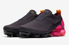 Release Date: Nike WMNS Air VaporMax Moc 2 Pink Blast           The ladies will be treated to a new colorway of the Nike Air VaporMax Moc 2 at the end of this month as we bring you an official look at th... https://drwong.live/sneakers/nike-wmns-air-vapormax-moc-2-pink-blast-release-date/ Women's Sneakers, Sneakers Fashion, Reebok, Converse, Adidas, Sports Footwear, Nike Trainers, Nike Air Vapormax, Sneaker Boots