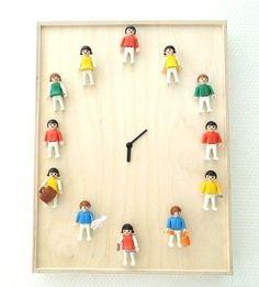 Une horloge à fabriquer avec des Playmobil