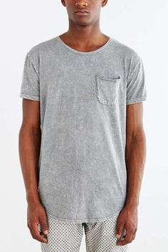 Feathers Mineralized Long Scoop Neck Tee - Urban Outfitters