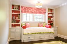 Fantastic pink and green girl's bedroom with built-in cabinetry and daybed with trundle .this could work in Em's room, maybe not build in the bed but put it between the built in shelves Built In Daybed, Daybed With Storage, Daybed With Trundle, Girls Daybed, White Daybed, Trendy Bedroom, Girls Bedroom, Bedroom Small, Bedroom Modern