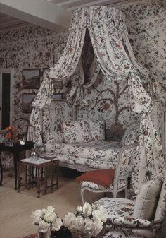 Hubert de Givenchy - Château du Jonchet - A guest bedroom