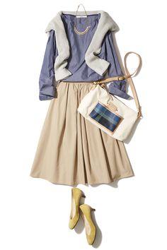 春注目のニュートラルカラーでふんわりスカートのフェミニンコーデ ― A