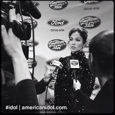 Jennifer Lopez is interviewed by the press after Elise Testone's elimination. #idol