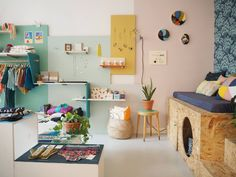 Pop Up, House Of Gold, Studio, First Apartment, Dream Bedroom, Corner Desk, Bedroom Inspo, Gallery Wall, Anne Laure