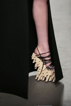 Extreme shoes