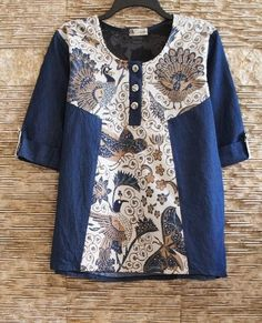 Jeans mixed with vintage hand drawn batik tunic Frock Fashion, Batik Fashion, Blouse Batik, Batik Dress, Pakistani Fashion Casual, Pakistani Dress Design, Kurta Designs, Blouse Designs, Baby Dress Design