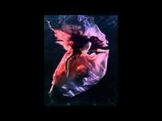 ▶ Gabrielle Roth & The Mirrors - Still Chillin' - YouTube
