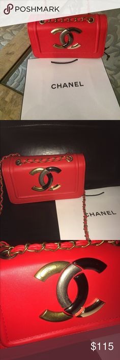 Beautiful designer inspired red chain logo bag New Beautiful designer inspired red chain logo bag Bags