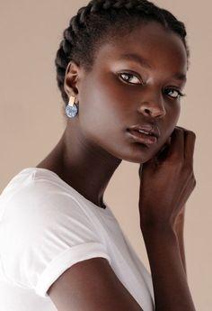 dark skin girls The Changing Business of Black Hair Dark Skin Beauty, Hair Beauty, Black Women Beauty, Dark Skin Makeup, Natural Beauty Tips, Natural Hair Styles, Natural Makeup, Skin Girl, Luscious Hair