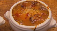 French Onion Soup with Gruyere Toasts by Gary Mehigan from Masterchef Australia Master Chef, Gary Mehigan Recipes, My Favorite Food, Favorite Recipes, Masterchef Recipes, Masterchef Australia, Dinner Is Served, Onion Soup, French Onion