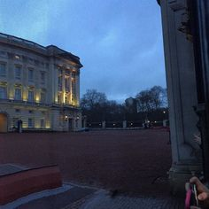 When in London one should always visit Buckingham Palace!! by cyberactivo