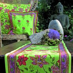 Textilen bedruckt in reiner Handarbeit.