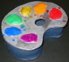 Using clay to create different structures. Wheel throwing and hand building. Clay Art Projects, Sculpture Projects, Ceramics Projects, Ceramics Ideas, Ceramic Boxes, Ceramic Clay, Slab Pottery, Ceramic Pottery, Ceramic Monsters