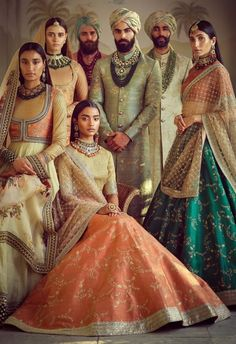 India Emporium is a one stop ethnic wear online store for all your online saree shopping, designer wear, salwar kameez, bridal wear, lehenga cholis & artificial jewellery needs. Indian Bridal Fashion, Indian Bridal Wear, Indian Wedding Outfits, Indian Outfits, Royal Indian Wedding, India Fashion, Asian Fashion, Look Fashion, Indian Look