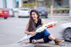 Sai Pallavi is one of the upcoming actresses in the Indian film industry mainly in South Indian Films. She is also dancer and a model too. Sai started her acting Tamil Actress Photos, Indian Film Actress, Best Actress, Beautiful Indian Actress, Indian Actresses, Actors & Actresses, Actress Pics, Stylish Girls Photos, Stylish Girl Pic