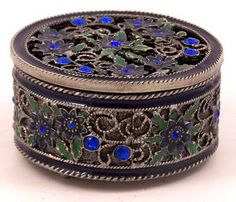 Vintage-Round-Trinket-Box-Green-Enameled-Floral-Metal-with-Blue-Glass-Beads