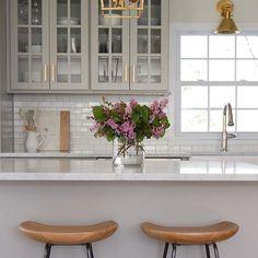 Desiree Burns. Inspiration hub + life of a designer Boston interior decorator…