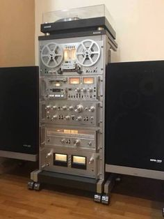 Oscillators and Filters Hifi Speakers, Monitor Speakers, Hifi Audio, Hi Fi System, Audio System, Recording Equipment, Audio Equipment, Pioneer Audio, Audio Stand