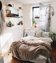 Living room inspiration small spaces ikea ideas dining space in monochrome home interior bedroom improvement amazing . Small Room Bedroom, Cozy Bedroom, Bedroom Apartment, Trendy Bedroom, Small Bed Room Ideas, Small Bedroom Inspiration, Bedroom Ideas For Small Rooms Women, Messy Bedroom, Bedroom Setup