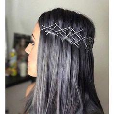 #belezacomglamour #Charcoalhair: é esse o nome da tendência capilar que promete fazer a sua cabeça  ! A coloração que lembra o carvão-- um preto acinzentado que pode puxar até para o azul-- é uma ótima coloração para as morenas que querem investir em um novo visual! Que tal trazer essas inspirações de cabelos do #Pinterest para a vida real? (: Pinterest)  via GLAMOUR BRASIL MAGAZINE OFFICIAL INSTAGRAM - Celebrity  Fashion  Haute Couture  Advertising  Culture  Beauty  Editorial Photography…