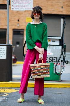 It's Baaaaack: All The New York Fashion Week Street Style Yo.- It's Baaaaack: All The New York Fashion Week Street Style You Need - Colorful Outfits, Colorful Fashion, Trendy Fashion, Spring Fashion, Fashion Outfits, Fashion Tips, Fashion Trends, Fashion Vintage, Milan Fashion