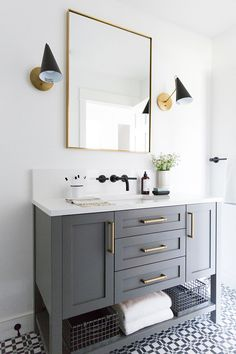 Quick and Easy Budget Friendly Farmhouse Bathroom Updates