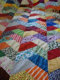 Um blog para inspirar decorações aconchegantes e formosas! Amish Quilts, Scrappy Quilts, Easy Quilts, Quilt Block Patterns, Pattern Blocks, Quilt Blocks, Crazy Quilting, Patch Quilt, Seminole Patchwork