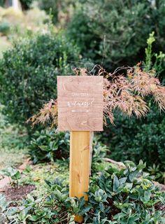 Venue: Oatlands Plantation - http://www.stylemepretty.com/portfolio/oatlands-plantation Photography: Vicki Grafton Photography - vickigraftonphotography.com   Read More on SMP: http://www.stylemepretty.com/2016/08/03/this-brides-grandma-best-officiant-ever/