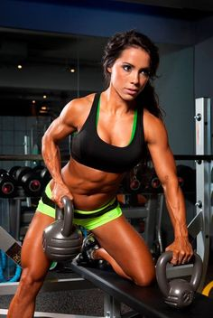 Andreia Brazier Fitness Model ABS MOTIVATION