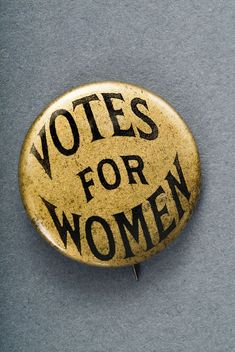 Suffragette Flag Badge Brooch Jewellery /& Free Velvet Gift Pouch