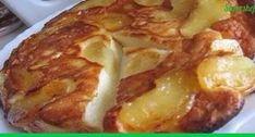 Этот пирог готовится из творога и яблок, и получается настолько нежный. что его даже можно не жевать, а вот так кладешь кусочек в рот, а он прям растаял как сладкая воздушная вата! Ну и классика жа…