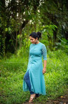 Simple Kurta Designs, Stylish Dress Designs, Kurta Designs Women, Designs For Dresses, Stylish Dresses, Salwar Designs, Stylish Outfits, Fashion Dresses, Kalamkari Dresses