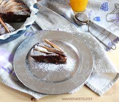 Buongiorno! Oggi vi proponiamo una torta golosa al cacao pere senza glutine, senza lattosio e senza lievito: adatta a diverse intolleranze alimentari!