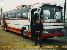 Mercedes Benz Monobloco O - 303 / Buses Meltur Escuderias F1, Mercedes Bus, Bus Driver, Busses, Fire Trucks, Cars And Motorcycles, Touring, Benz, Coaching