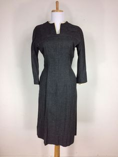 Vintage 1930s 1940s Gray Tweed Hourglass Dress WWII Cocktail Size S