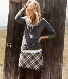 really like this look. layered shirts, cute skirt with tights Casual Outfits, Cute Outfits, Fashion Outfits, Womens Fashion, Fall Winter Outfits, Autumn Winter Fashion, Cute Skirts, Fall Skirts, Plaid Skirts