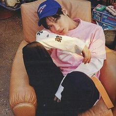 TAEMIN W Korea 2018.03 'reebok classic:back to the 90s'.